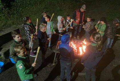 Scouting Brandevoort - Welpen opkomst koken op houtvuur
